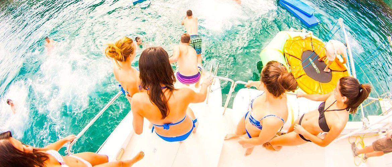 Fiestas en barco para despedidas en Platja d'Aro